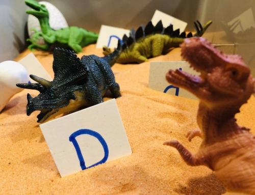 Digging for Dinosaurs – Small World Play Sand Sensory Play!